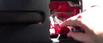 Инструкция как подтянуть тросик ручника Skoda Fabia