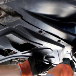 Замена переднего локера и пыльника двигателя на ŠKODA SUPERB