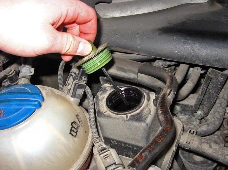 Как поменять тормозную жидкость scoda octavia A5